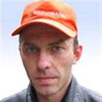 Инструктор по вождению Геннадий