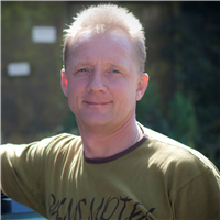 Инструктор по вождению Виктор Викторович