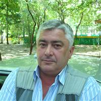 Инструктор по вождению Павел Петрович